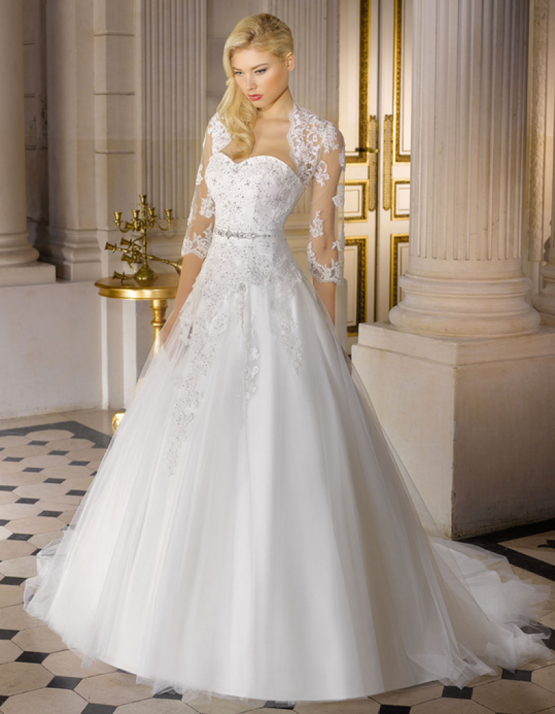 Miss kely delor for Robes de mariage cyber lundi